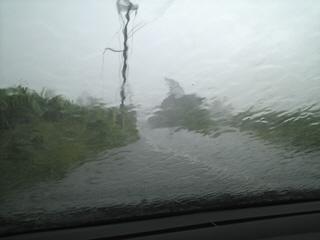 暴風雨の屋我地島にて