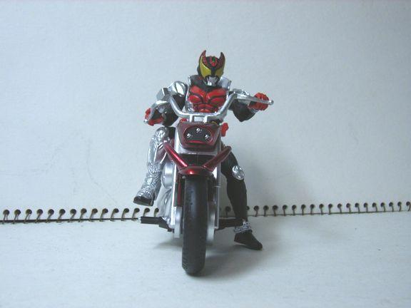 仮面ライダー・キバ バイク 005