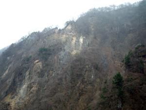 081124ハゲ山