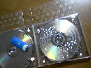 CD集とタチコマUSBめもりー