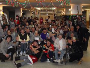 東京都 足立区 介護老人保健施設(入所・短期入所・通所リハビリ) 千寿の郷 クリスマス会 鍋会 みんなの笑顔が見たいから