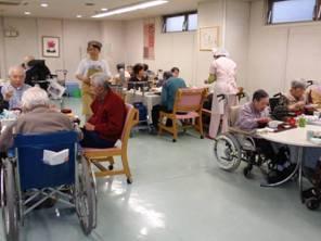 東京都 足立区 介護老人保健施設(入所・短期入所・通所リハビリ) 千寿の郷 食堂の様子