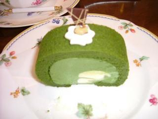 ル・ペール 抹茶ロールケーキ