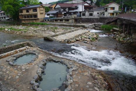 奥津温泉河原の露天風呂