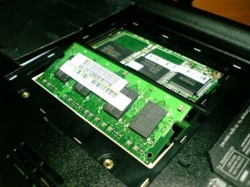 EeePC_701SD-X_memory_007.jpg