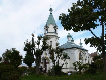 混在する宗教の中のキリスト教寺院