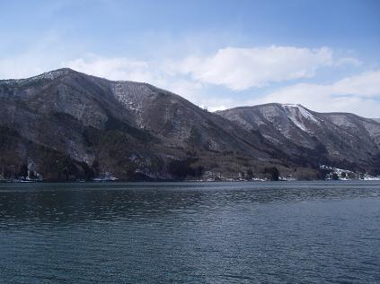 近所の湖(3月16日)