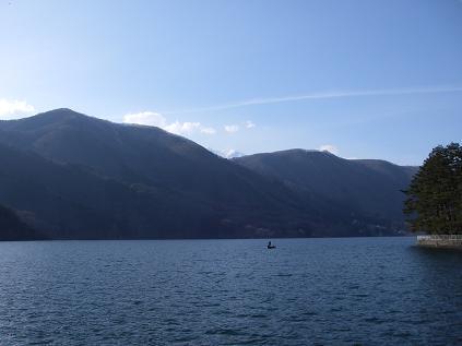 近所の湖(4月5日) その2