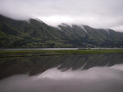 近所の湖(2008年5月11日)