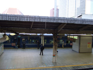 東京駅に到着した大阪発の急行銀河