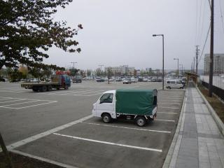 新庄駅前駐車場
