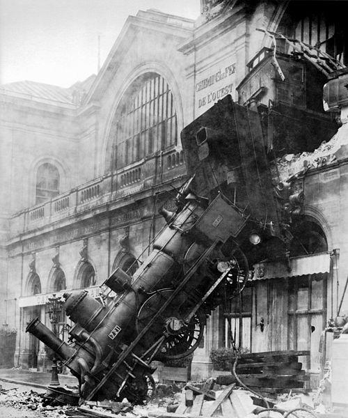 500px-Train_wreck_at_Montparnasse_1895.jpg