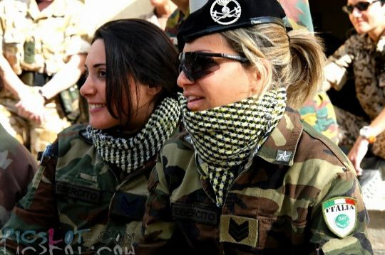 Beautiful_Female_Police_and_Army_Girls_from_Around_the_world_17_540.jpg