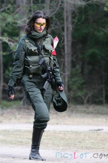 Beautiful_Female_Police_and_Army_Girls_from_Around_the_world_1.jpg