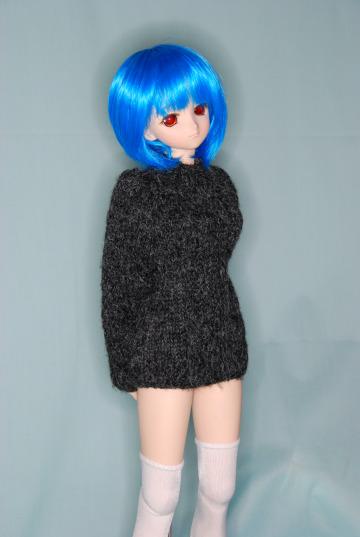 ガンメタリックっぽいセーター