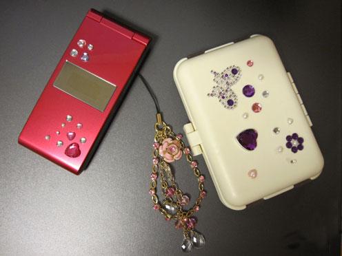 携帯とケース