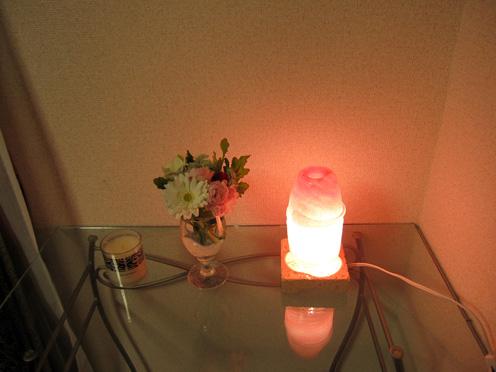 花とランプ