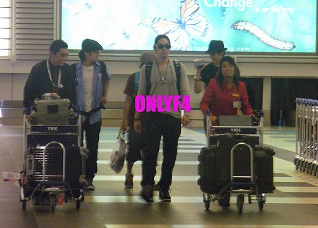 s-airport1.jpg