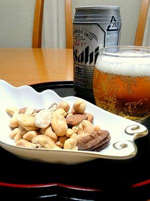 090712ナッツとビール
