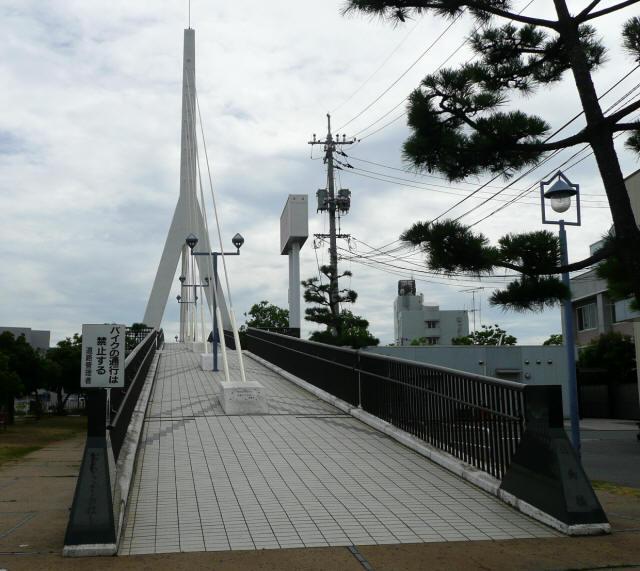 白鳥歩道橋5
