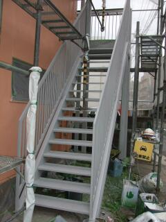 階段 003