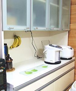 食器棚とバナナフック