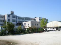 建て替えの方針が表明された西海神小学校