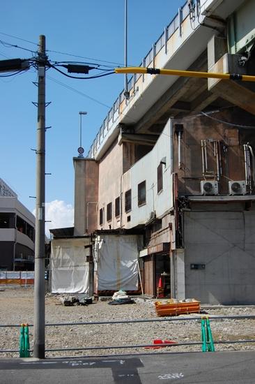 03高架下建物