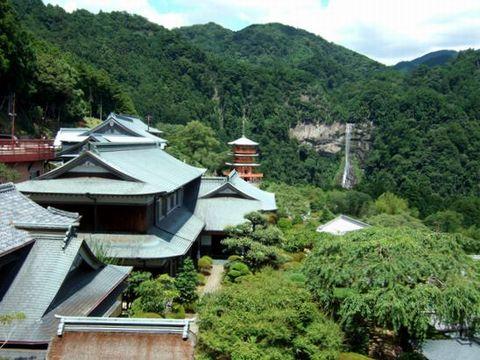 青岸渡寺には宿坊があり、そこに泊まることもできる。