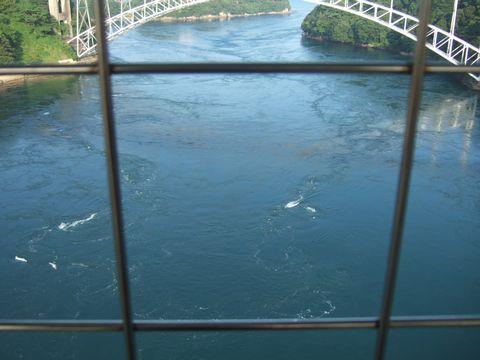 大潮時の最大流速は、10ノット以上に達することがあるという。