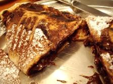 茄子のチョコレートソースピッツァ包み