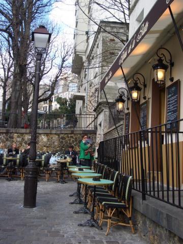 モンマルトルのカフェ