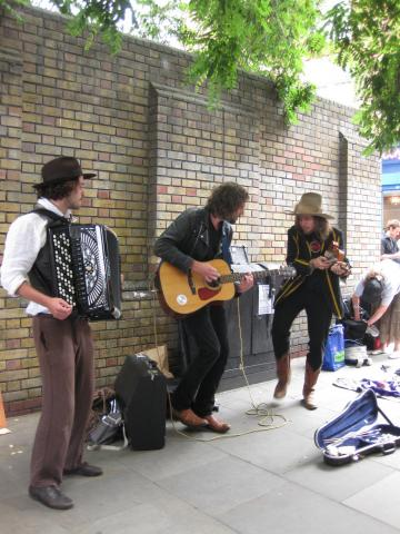 brick lane trio2