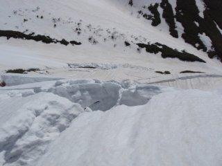 s08足下に雪崩2