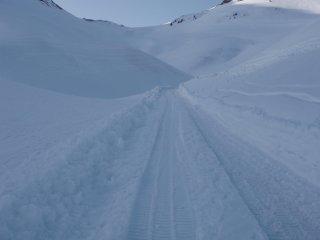 s03雪上車の道