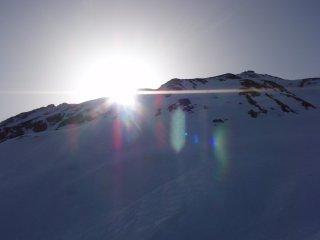 s山の端から朝日