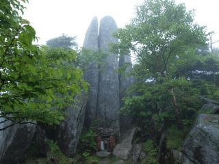 s08m日の出岩1