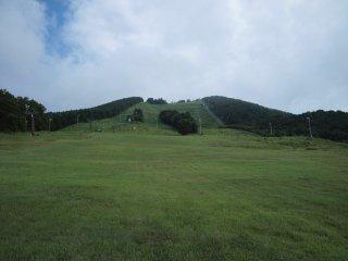 s01スキー場を登る