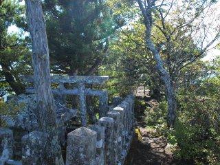 s11鯨山神社