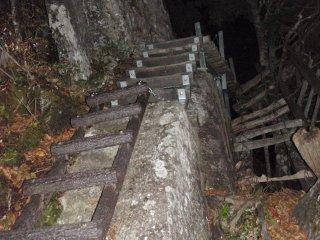 s01暗闇のはしご