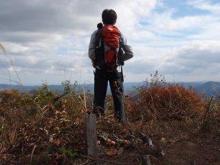 s07戸神山頂にて