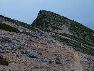 非対称山稜