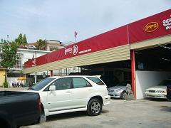 P1350715輸入車販売会社2