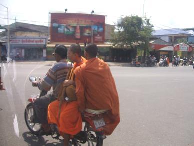 DSCF0013師走?カンボジア
