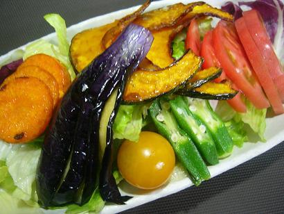 五種の野菜とトマト酢サラダ