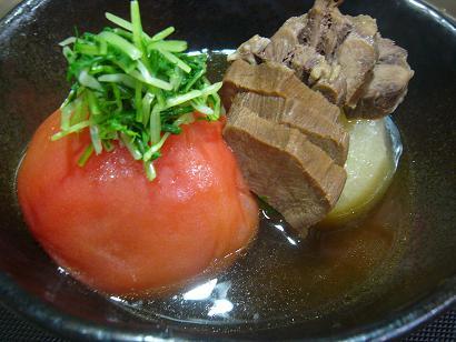 牛タンとトマトおでん1 (2)