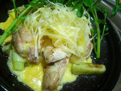 鶏肉とネギの陶板焼き1 (2)