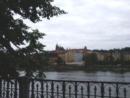 プラハ城を望む