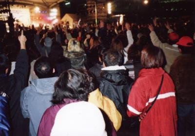 宇都宮駅前で2001カウントダウンーコンサート
