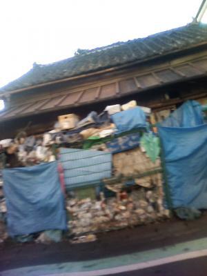 営業中に発見!三島市のゴミ屋敷無修正画像